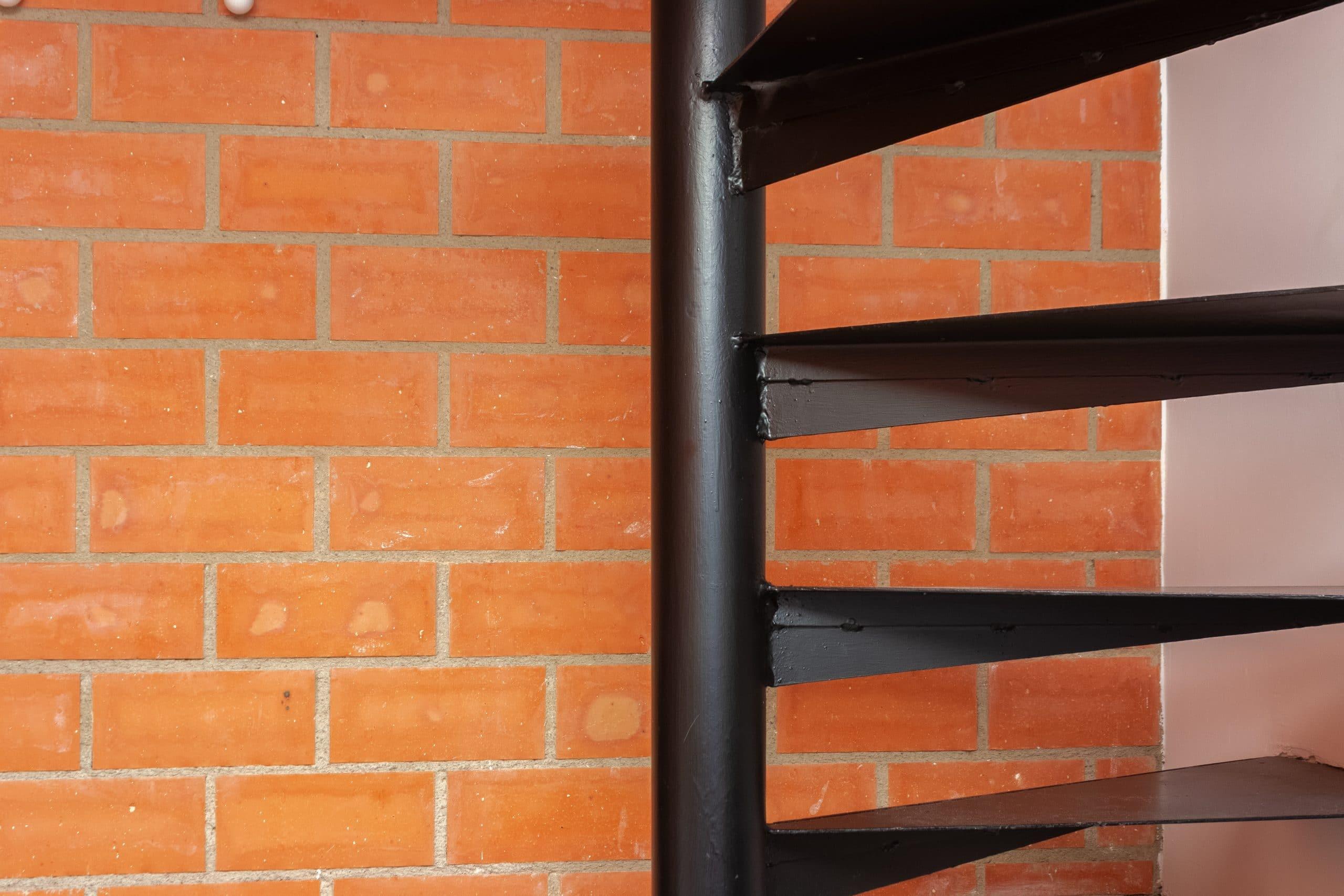 detalle-escalera-refoma-local-comercial-estudio-marlo